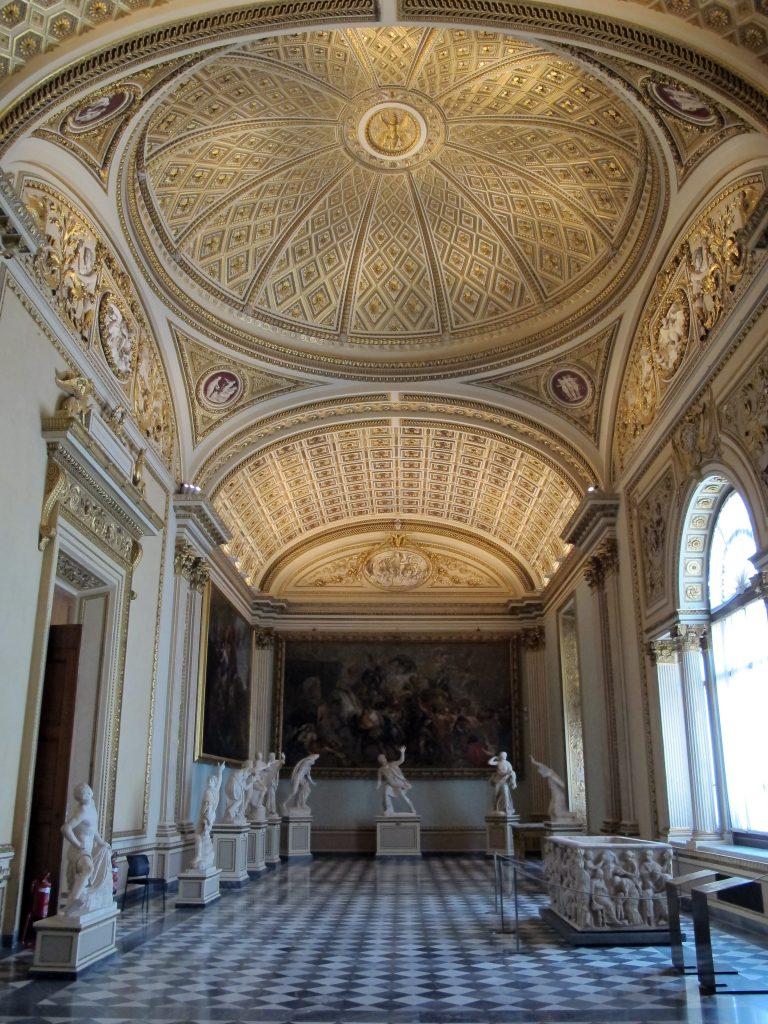 Uffizi,_sala_della_niobe_01